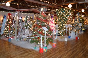 Read more about the article Decorators and Silent Auctions Donors Needed for 29thAnnual Christmas Fantasy